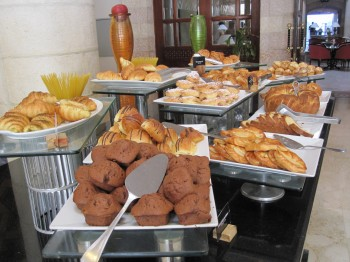 Mövenpick Resort Petra buffet